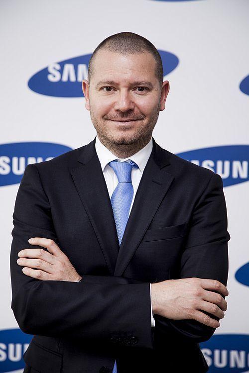 Samsung Electronics_Meric Tunc_02