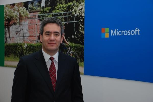 Microsoft+Turkiye+Kurumsal+Musterilerden+Sorumlu+Genel+Mudur+Yardimcisi+Murat+Yilmaz