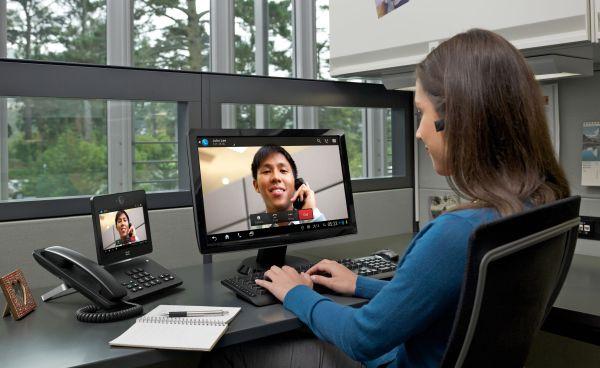 Cisco Desktop Collaboration Experience DX 650