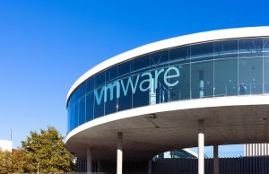 VMware, AWS Outposts