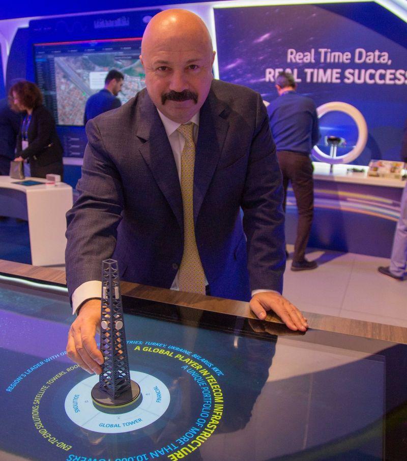 """Mobil Dünya Kongresi'nde basın mensuplarıyla bir basın toplantısı yapan Turkcell Genel Müdürü Kaan Terzioğlu, Türkiye'nin son yıllarda her alanda kendi teknolojilerini geliştirmeye başladığını belirterek """"Şimdi dijital ihracat dönemi"""" dedi"""