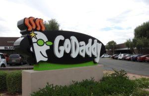 GoDaddy, E-posta Gelişmiş turizm sektörü