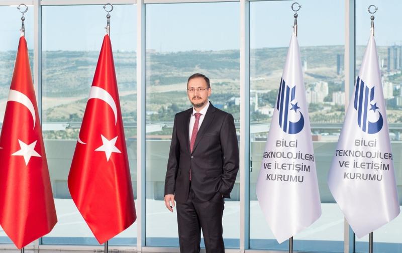 Resmi Gazete'de yayınlanan bildiri ile Bilgi Teknolojileri ve İletişim Kurumu Başkanlığı'na Ömer Abdullah Karagözoğluatandığı bildirildi.