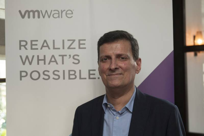 VMware'in de en büyük rakibi olarak gösterilse VMware Cloud 'u AWS üzerinde kullanabiliyorsunuz.