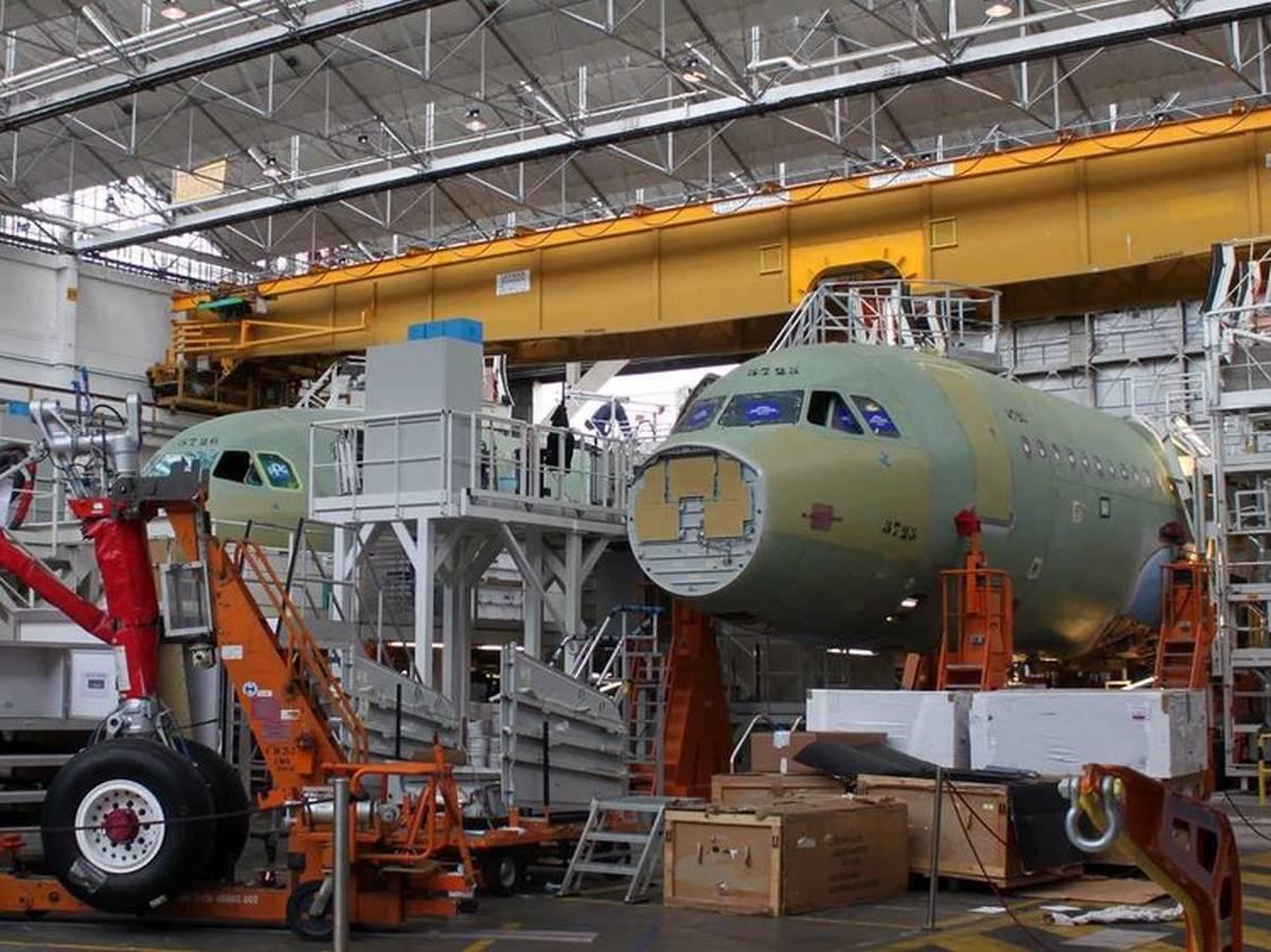 Son gelen haberlere bakılırsa Airbus A320 modeli sürpriz bir ülkede üretilecek.Merkel, iş insanlarından oluşan bir heyetle gittiği...