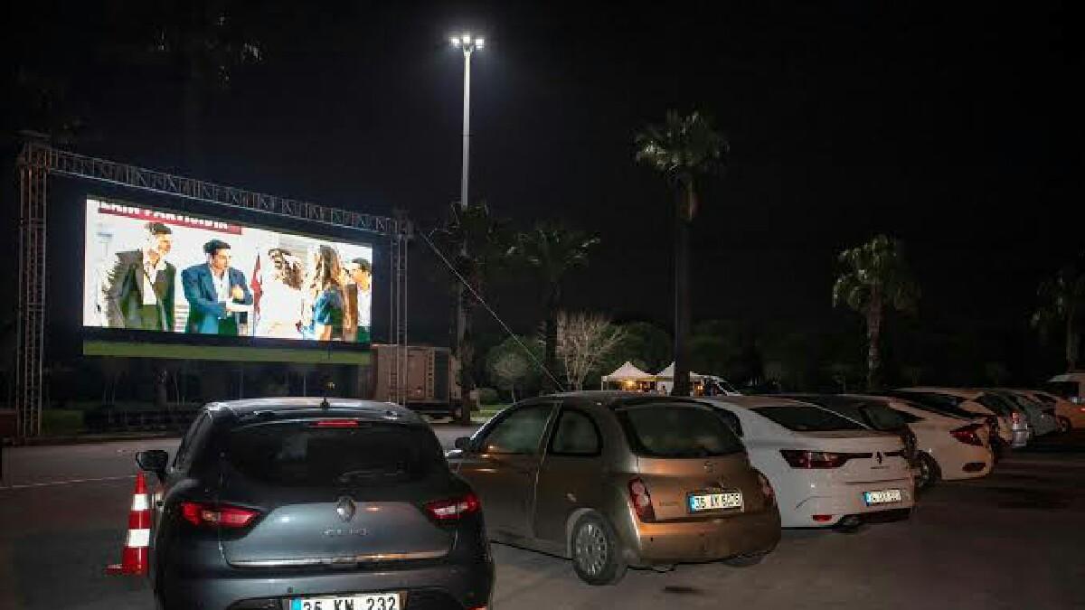 arabalı sinema etkinliği