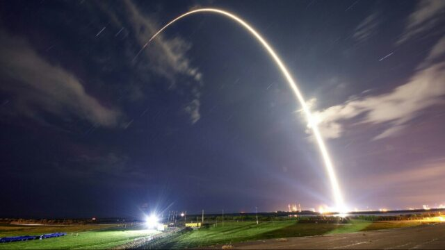 SpaceX Starlink için 60