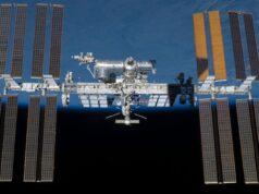 Uzay çöpü nedir NASA astronotu uzayda ayna düşürdü