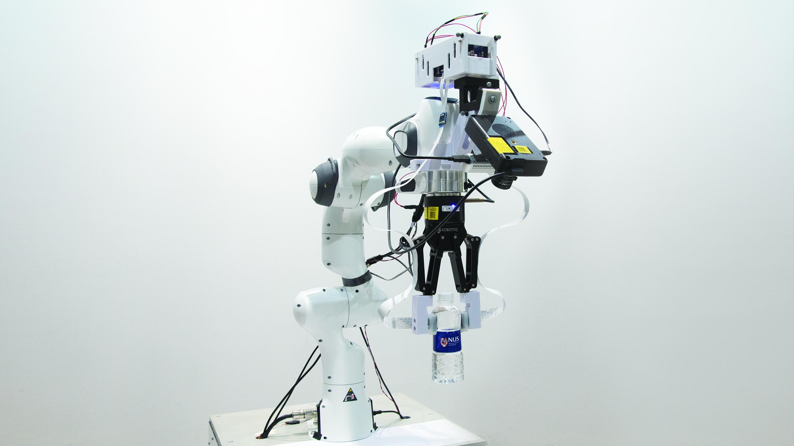 Hissedebilen Robotlar